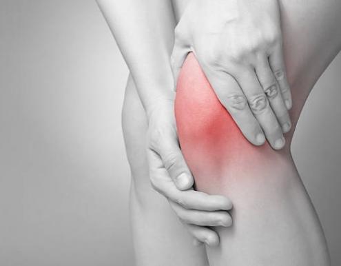 causa del ginocchio gonfio o bloccato